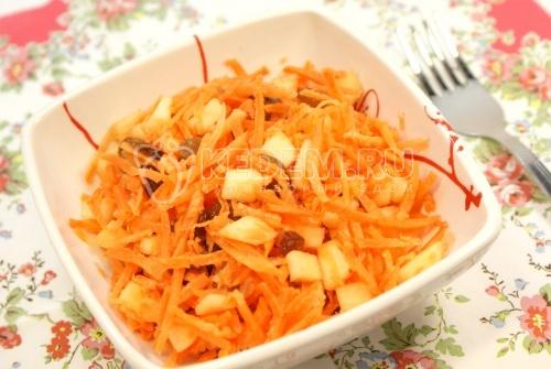 Рецепт Морковно-фруктовый салат с изюмом