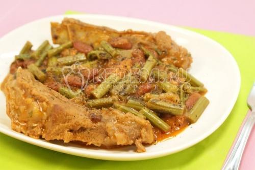 Рецепт Свиные ребрышки с папоротником и фасолью