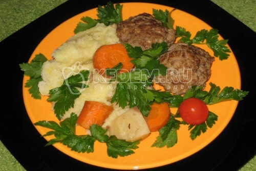 Рецепт Котлеты, тушеные с овощами