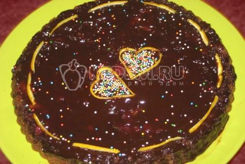 Французский шоколадный торт с фруктами