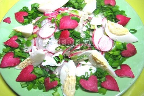 Рецепт Салат из редиса с яйцом и зеленью