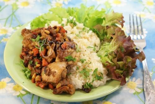 Рецепт Курица со специями и кедровыми орешками