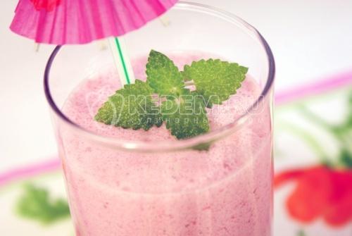 Молочный коктейль с ягодой «Малиновое лето» - рецепт