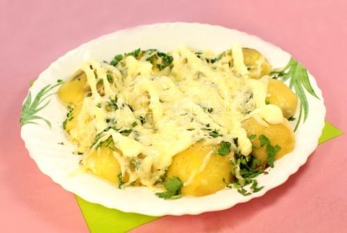 Рецепт Картофель под плавленным сыром