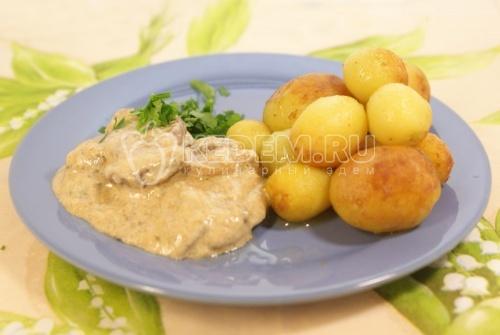 Рецепт Сливочный соус из белых грибов с молодым картофелем