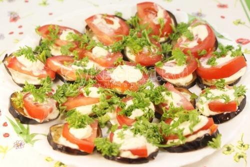 Закуска из баклажанов с помидорами - рецепт