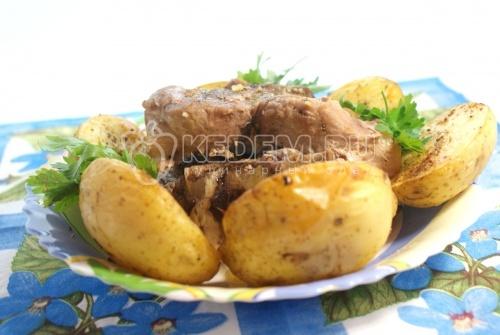 Рецепт Запеченная свинина на косточке с картофелем