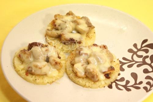 Ананасовые [шайбыk с грибами. Кулинарный рецепт приготовления шампиньонов с ананасами и сыром.