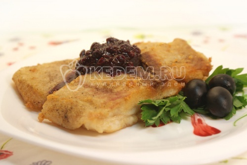 Пангасиус с соусом из брусники. Кулинарный рецепт приготовления пангасиуса с соусом из брусники.