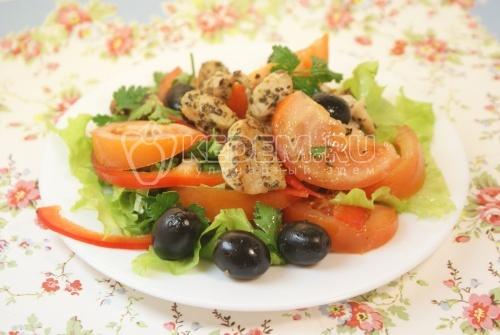 Салат «Ля-Мур» с курицей. Кулинарный фото рецепт приготовление салата из овощей с курицей.