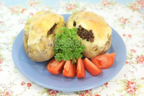 Картофель фаршированный мясом. Кулинарный рецепт приготовления картофеля фаршированного мясным фаршем.