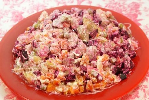 Салат «Балаганчик». Кулинарный рецепт приготовления мясного салата с овощами.