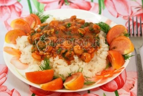 Креветки в томатом соусе. Кулинарный фото рецепт приготовления креветок в томатном соусе с рисом.