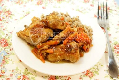 Рецепт Томлёная курица с гречневой кашей