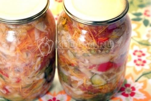Салат на зиму «Аппетитный». Кулинарный рецепт с фото приготовления салата из огурцов, помидоров и капусты на зиму.