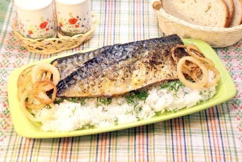 Рецепт Запеченная скумбрия с рисом