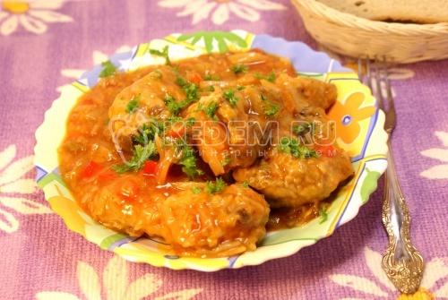 Курица тушеная с капустой. Кулинарный пошаговый рецепт с фото приготовления курицы тушеной с капустой.