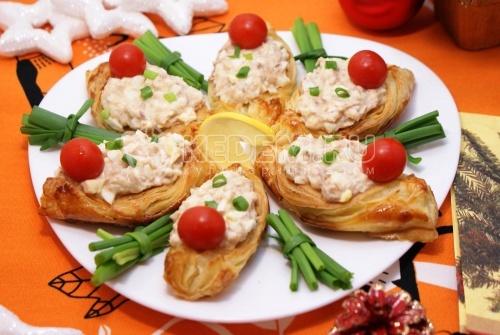 Рецепт Лодочки с начинкой из тунца