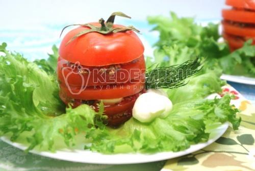 Закуска «Любимая». Пошаговый кулинарный рецепт приготовления закуски из помидор с моцареллой.