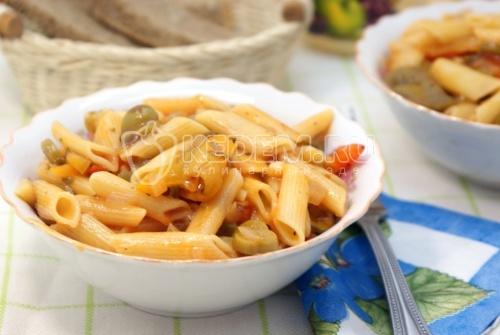 Рецепт Макароны «Перья» с овощной подливой