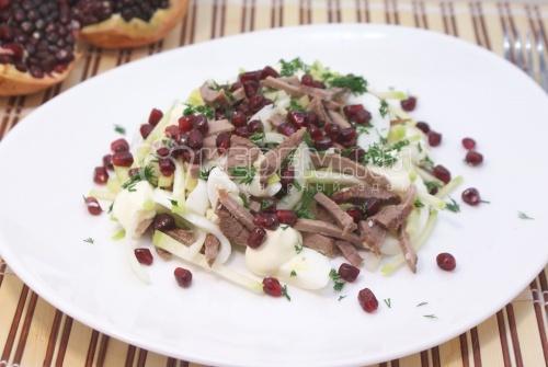Салат «Узбекистан». Пошаговый кулинарный рецепт с фотографиями приготовление салата с зеленой редькой и гранатом.
