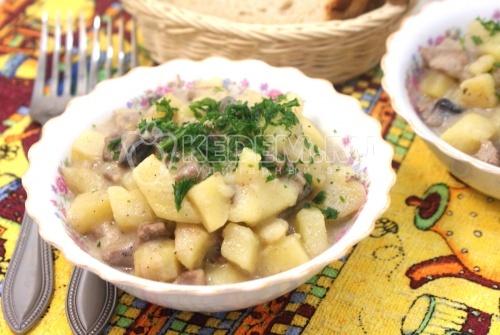 Жаркое с грибами и сметаной - рецепт