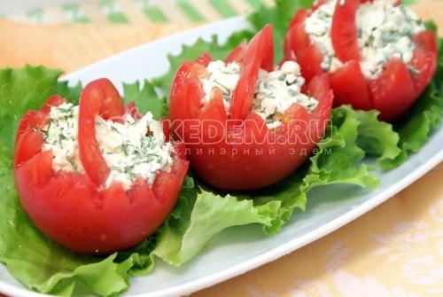 Рецепт Корзинки из помидор с сырной начинкой