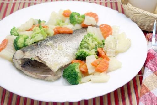 Рецепт Толстолобик тушеный с овощами