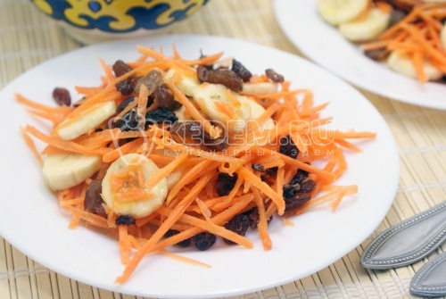 Рецепт Салат из моркови с бананом