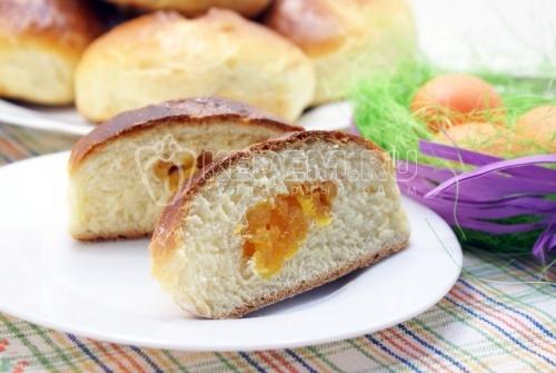 Рецепт Пасхальные булочки с курагой