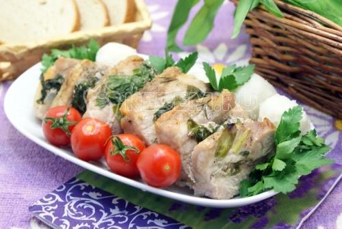 Рецепт Мясо в  рукаве с черемшой и розмарином