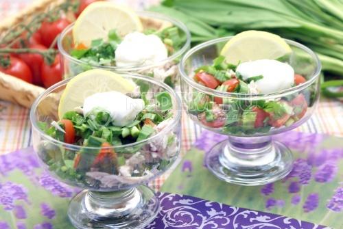 Салат с курицей и черемшой - рецепт