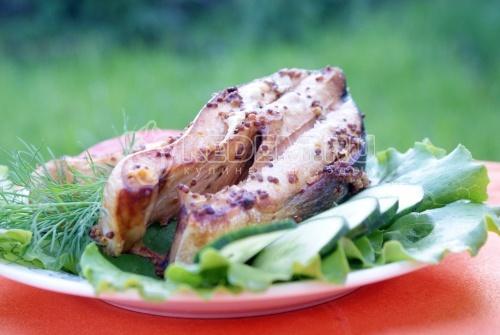 Рецепт Ломтики красной рыбы с зернистой горчицей