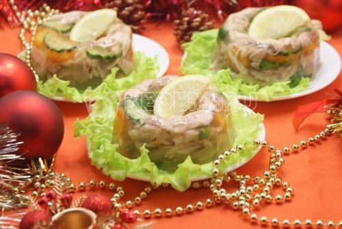 Рецепт Заливное из курицы «Новогоднее»