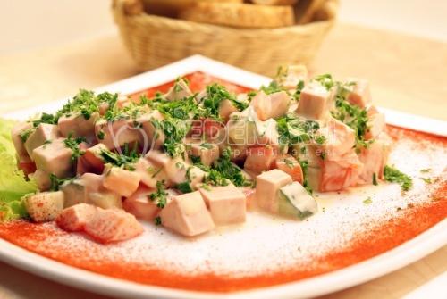 Рецепт Салат с вареной колбасой «Пальмира»