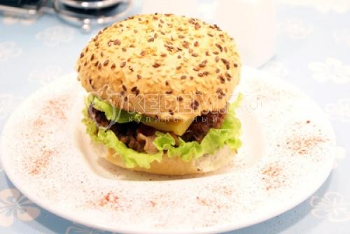 Рецепт Чизбургер с беконом