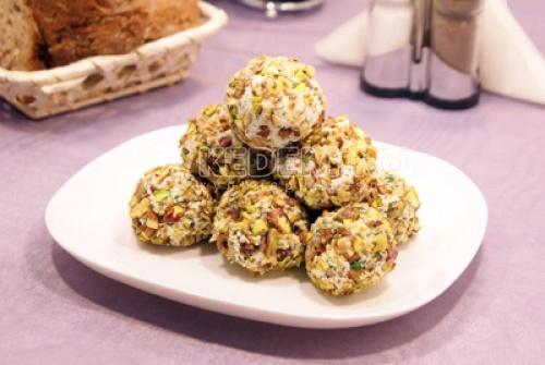 Рецепт Сырные шарики с виноградом