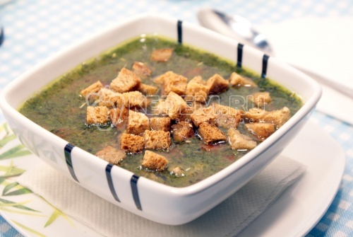 Рецепт Зелёный суп с курицей и соусом песто