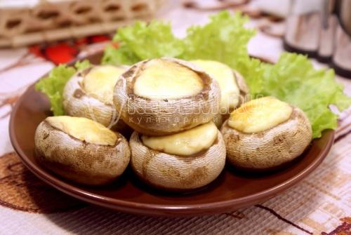 Запеченные шампиньоны с сыром