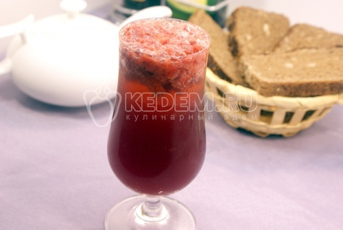 Рецепт Коктейль с красным вином и клубникой