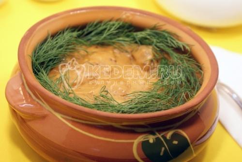 Рецепт Говядина с грибами в томатном соусе