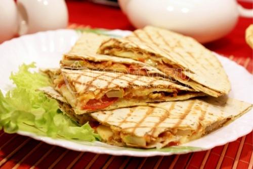 Рецепт Кесадилья с кабачками и томатами