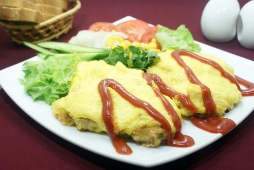 Куриная грудка в духовке под ананасами - рецепт