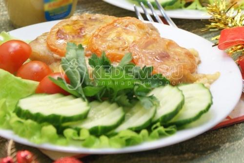 Рецепт Запеченное мясо с помидорами и сыром
