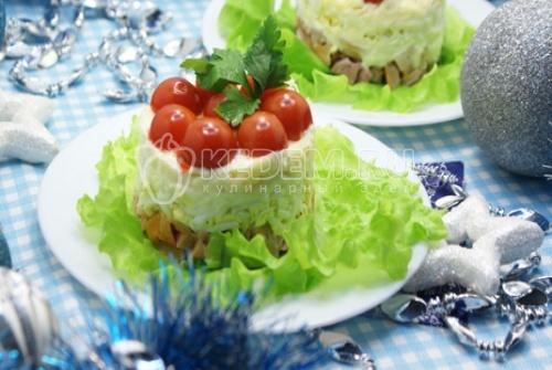Рецепт Салат с копчёной курицей «Красивый»