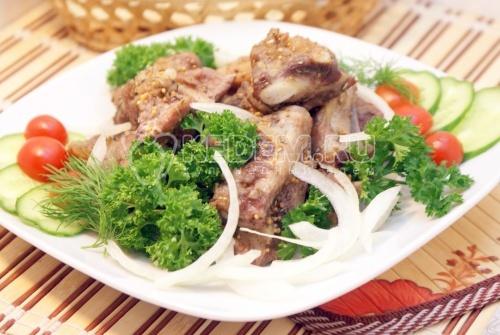 Рецепт Запеченные рёбрышки с розмарином и горчицей