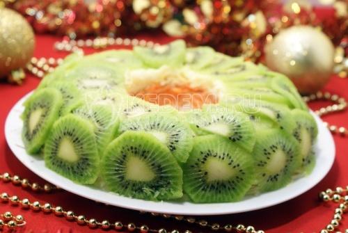 Салат «Новогодняя экзотика». Пошаговый кулинарный рецепт с фотографиями приготовления вкусного салата «Новогодняя экзотика» на новогодний стол