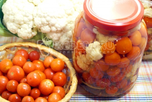 Цветная капуста с помидорами на зиму